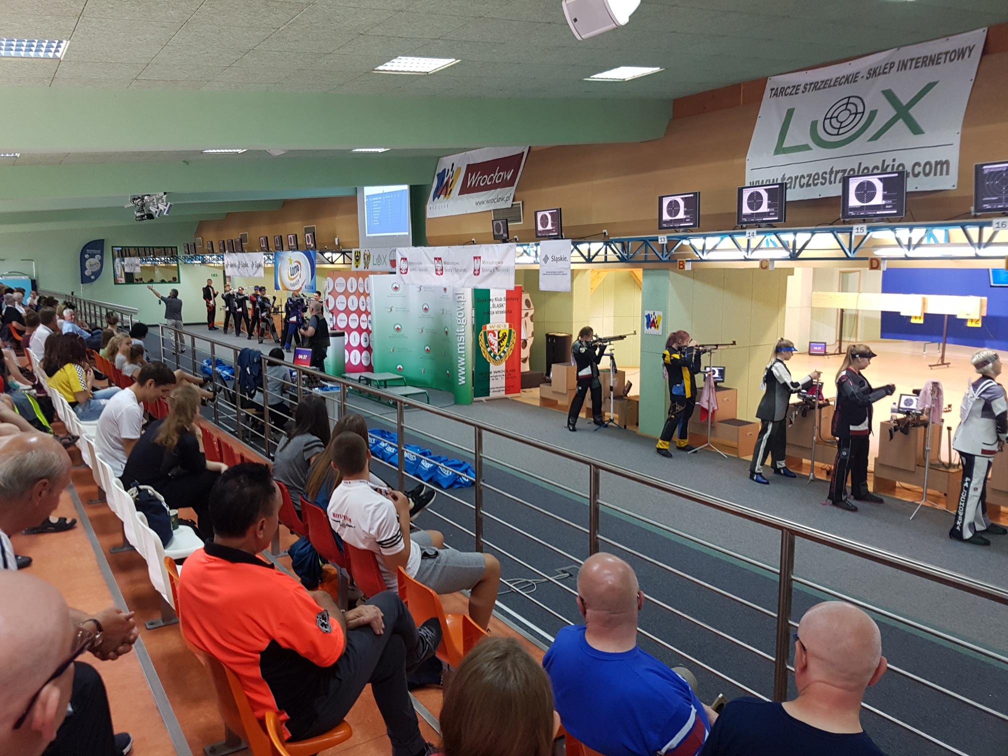 Zawodnicy ZKS Warszawa podczas finału Ogólnopolskiej Olimpiady Młodzieży we Wrocławiu